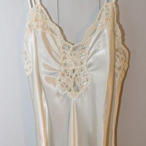 VTG VICTORIA'S SECRET Bridal Satin & Lace Nightie